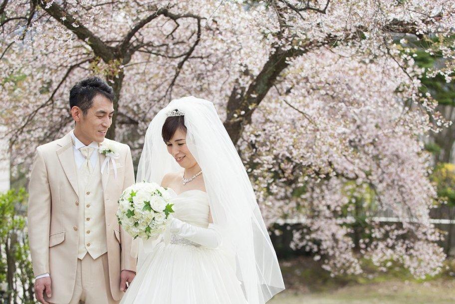 箱根の大自然の中、春を感じるアットホームウェディング