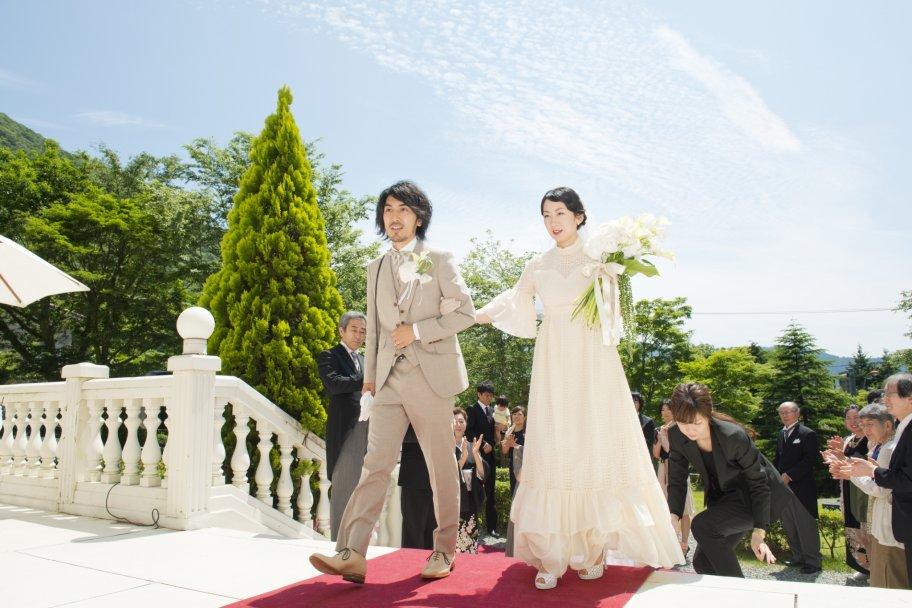 ゲストと箱根の大自然にかこまれて、いよいよパーティスタート♪外国のような雰囲気に包まれます